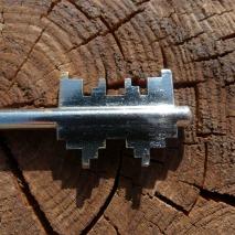 key-182921_1920