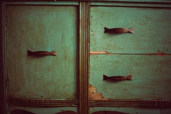 cupboard-349935_1920